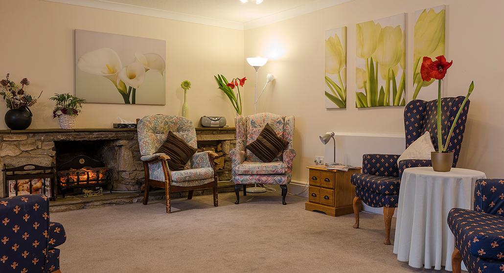 Communal Living Room at Longlea House Nursing Home in Maidenhead, Berkshire
